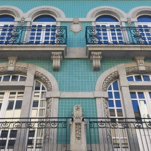 House - Building - Azulejos - Porto