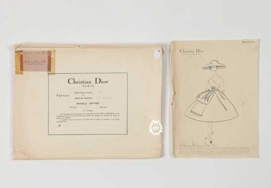 Christian Dior - Modele Delphine, 1956/57 - Vente aux Enchères Artprecium